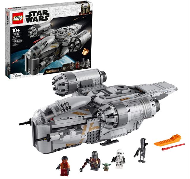 LEGO Star Wars Razor Crest assembled set, minifigures, and box.